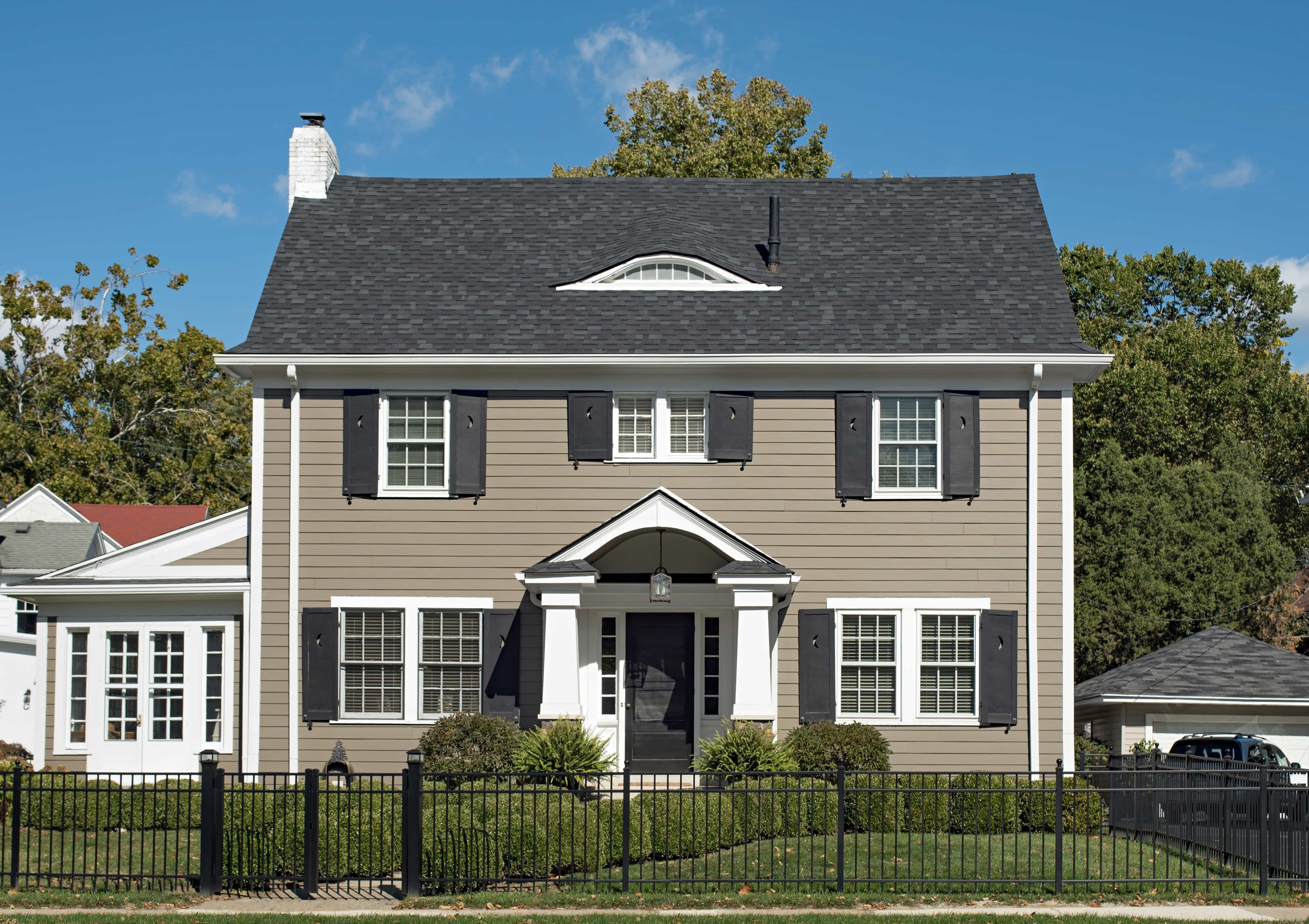 Wide window trim exterior - American Thermal Window Offers A Wide Range Of Detail Trim Shutters And Accent Accessories For Homes In The Chicagoland Area These Stunning Architectural